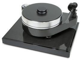 Pro-Ject RPM 10 Carbon analóg lemezjátszó.